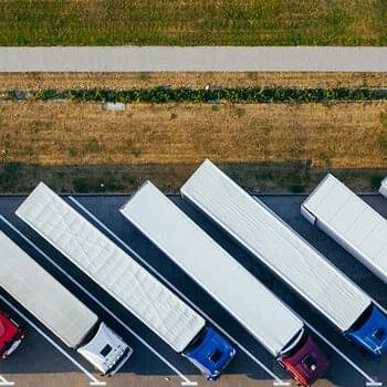 aerial-photography-of-trucks-parked-2800121.jpg | © Marcin Jozwiak